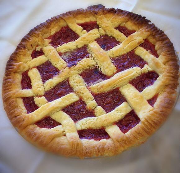'homemade cherry pie dessert' from the web at 'http://www.sunflourflour.com/images/homemade-cherry-pie-dessert.jpg.png'